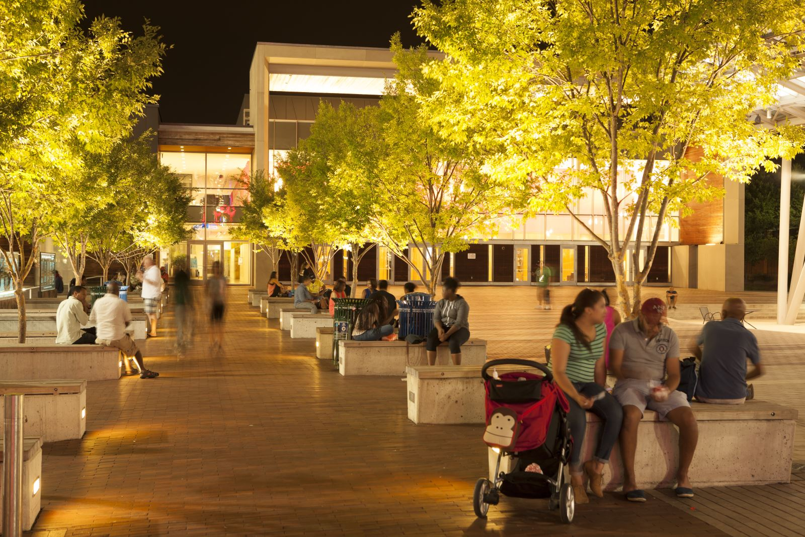 Silver Spring Plaza-night time
