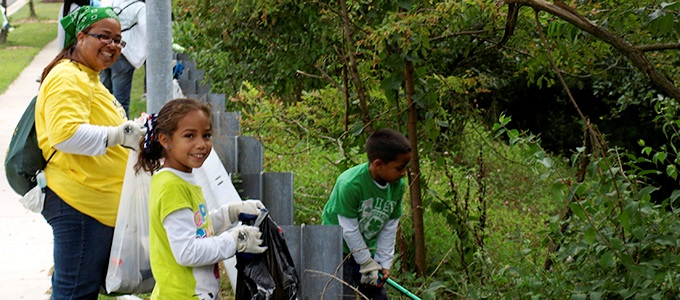Family volunteering together