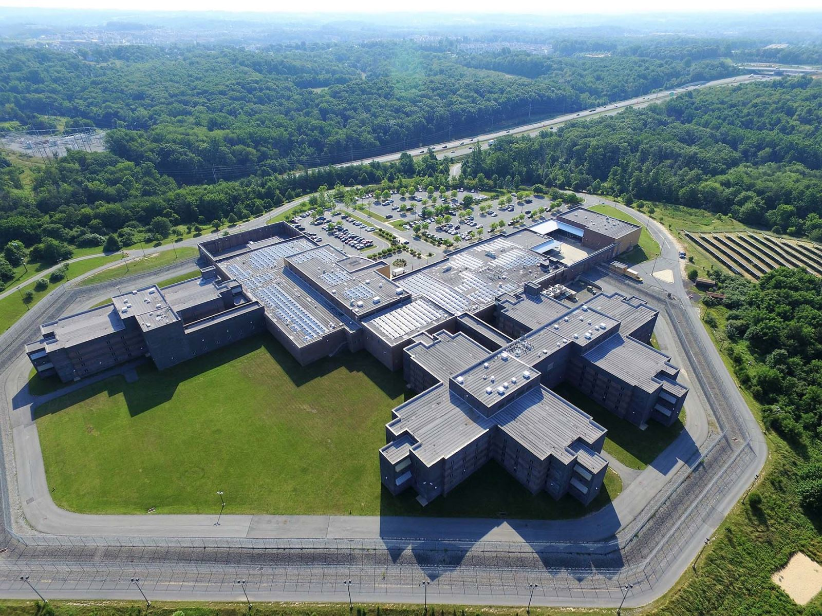 Montgomery County Correctional Facility Roof Solar Panels Overview