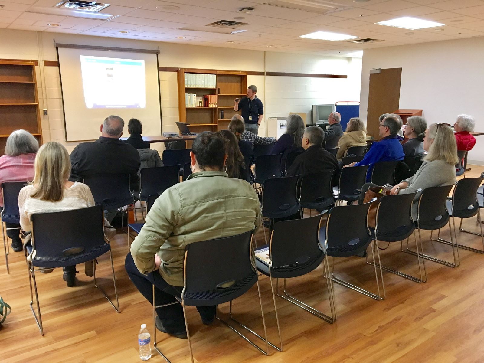 OEMHS presents on Community Emergency Preparedness at Montgomery County Libraries. Spring 2017.