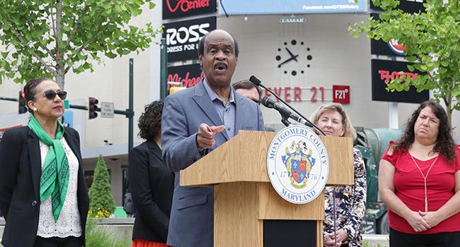 Photo: Leggett Joins Nonprofit Partners to Announce Citizenship Initiative
