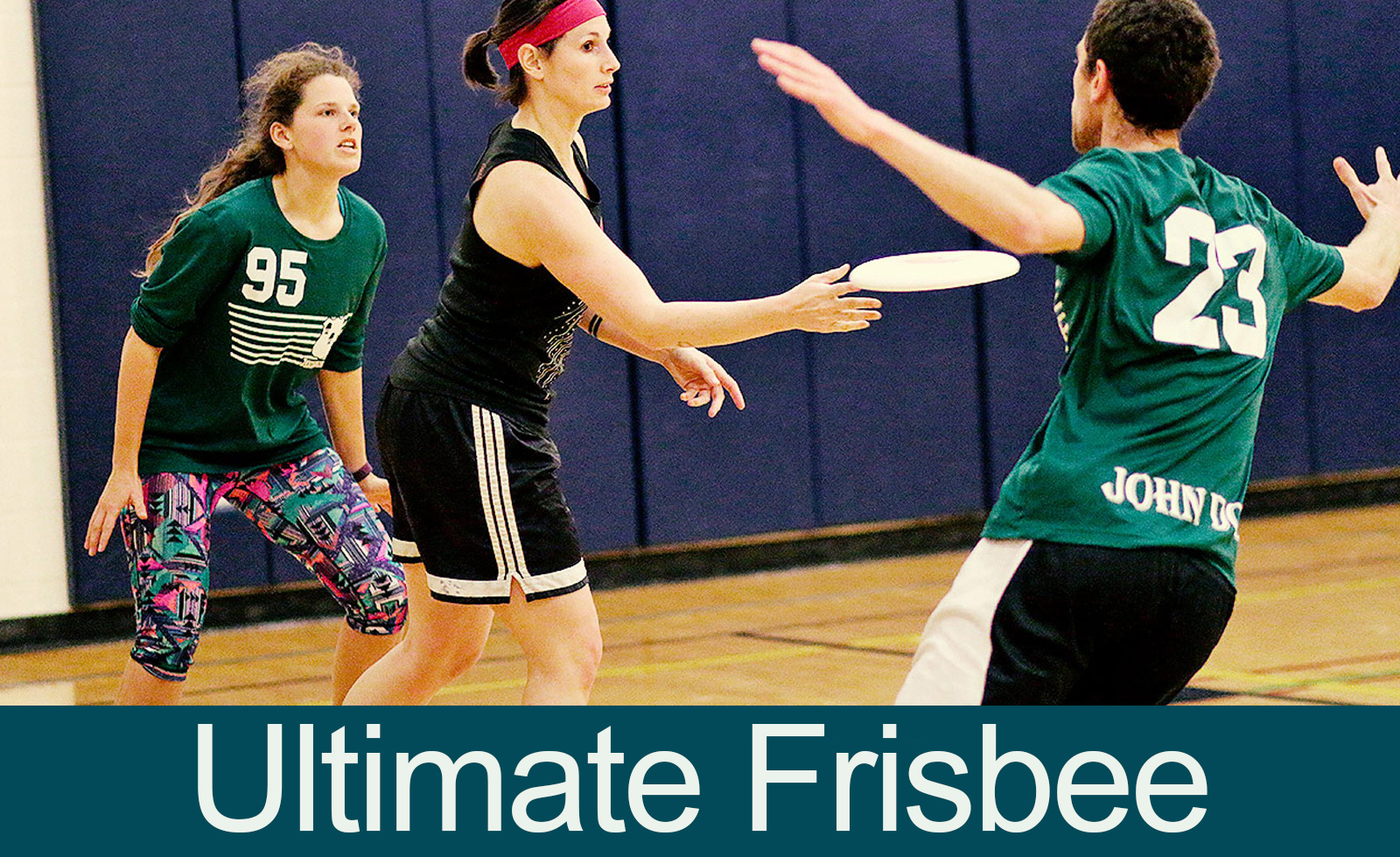 frisbee players
